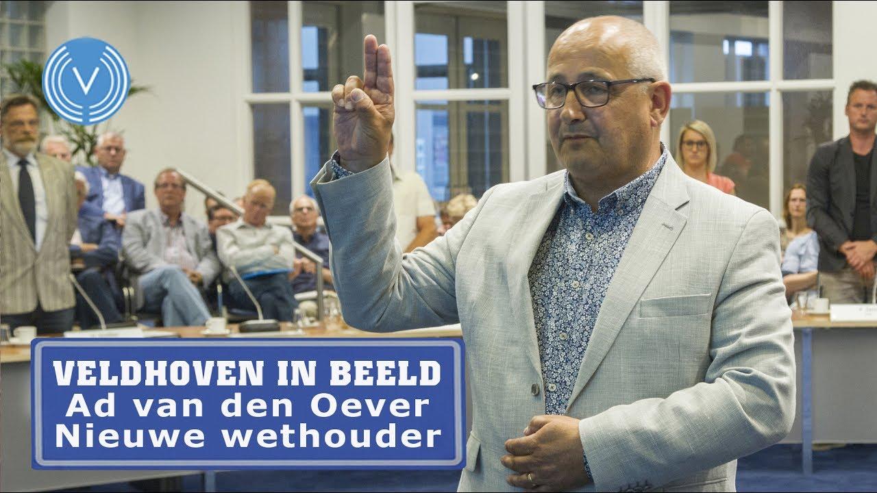 Ad van den Oever tijdens zijn installatie als wethouder