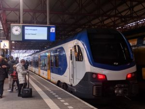 """Een Sprinter naar Maastricht en Roermond staat stil: """"Niet instappen"""""""