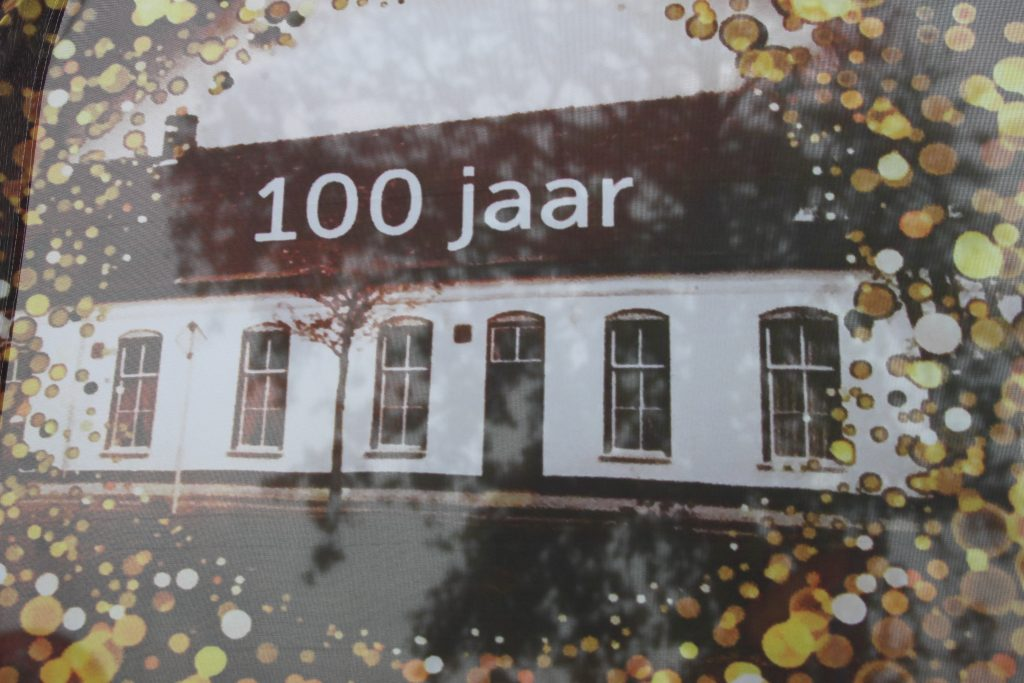 100 jaar dn Bond