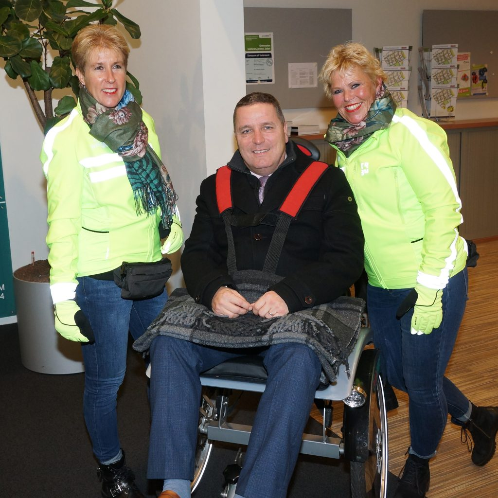 Burgemeester Marcel Delhez op de fiets