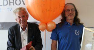 Lintjes voor Henk Hendriksen (links) Herman Schoemaker (rechts)