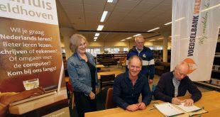 De samenwerkingsovereenkomst werd op maandag 9 maart ondertekend in de Bibliotheek Veldhoven