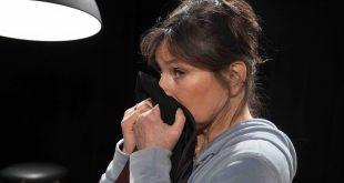 Debby Petter speelt 'De liefde voorbij'